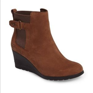 UGG Indra waterproof Stout women's boots 9.5 brown